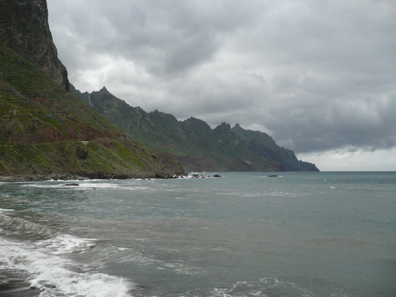 Пляж Бенихо на севере Тенерифе