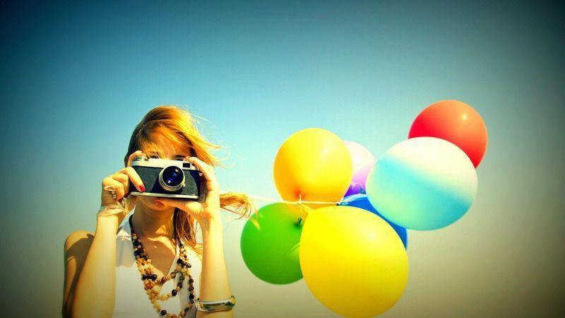 фото девушка с фотоаппаратом