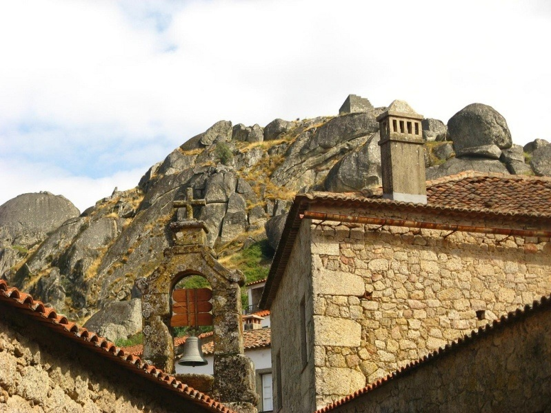 Монсанто-городок в Португалии