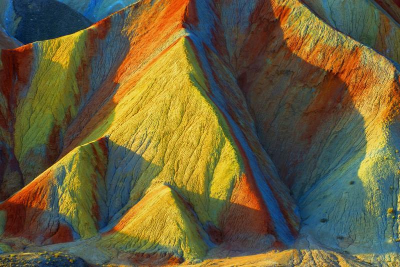 скалы Чжанъе Данься - природное чудо Китая