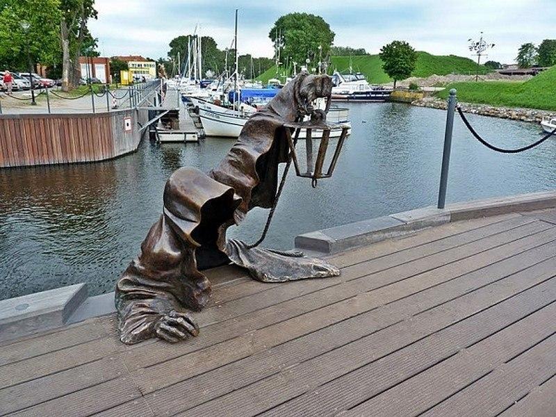 neobychnue-skulptury-12