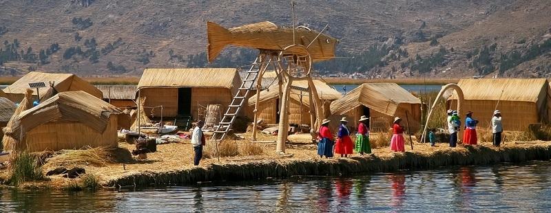 фото плавучие  острова на озере Титикака1
