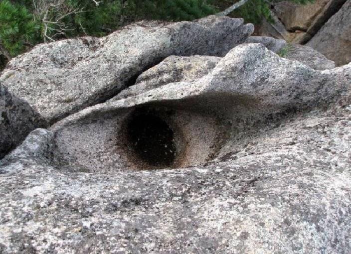 фото -скала Глаз дракона-Приморье