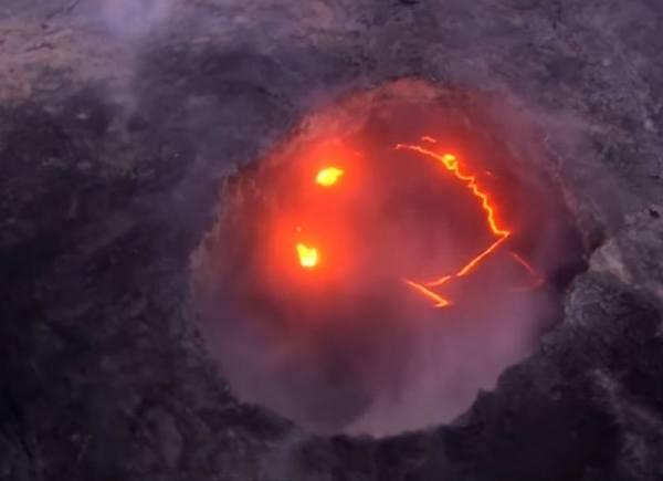 улыбающийся вулкан Килауэа фото