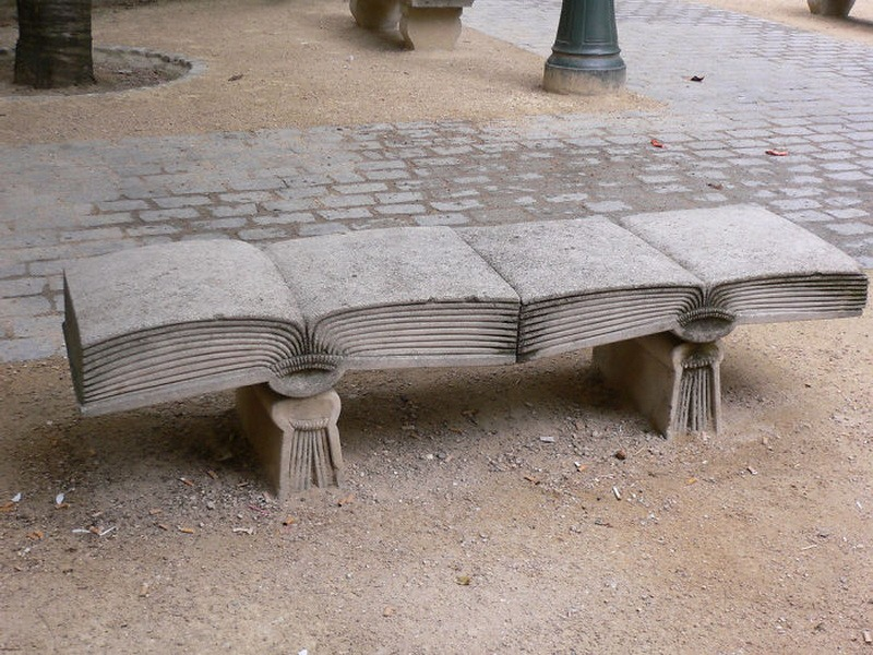 фото необычные скамейки Франция, Париж